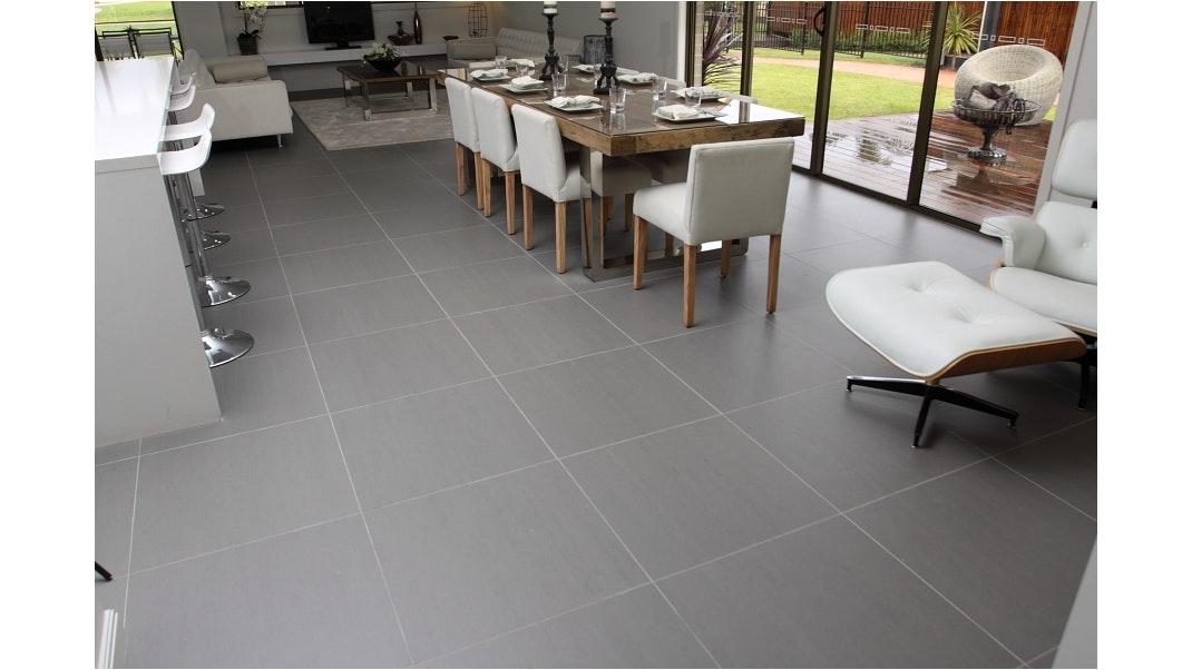 Porcelain tile for floors