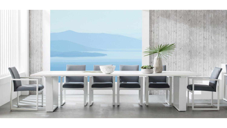 Retreat outdoor rectangular dining table