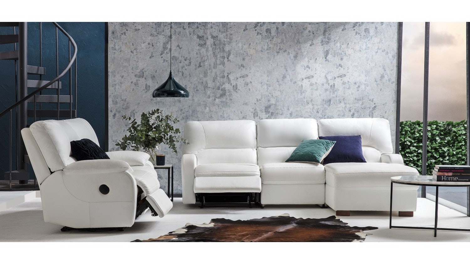 Caprice 2.5 Seater Leather Sofa With Chaise and Reclining Action