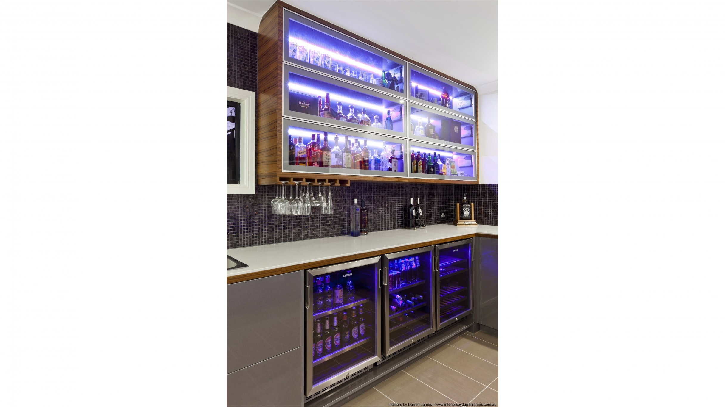 Vintec V40BVCS3 100 Cans Single Zone Beer Fridge