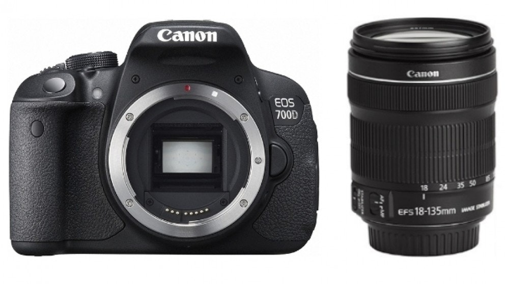 Canon EOS 700D DSLR Camera Super Kit