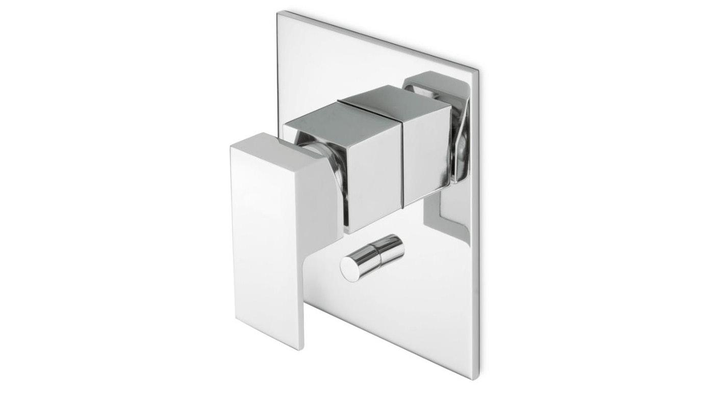 Newform Ergo Q Shower or Bath Mixer with Diverter