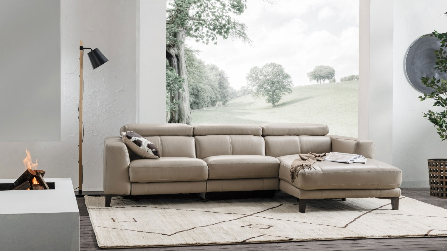 Adali 2 5 Seater Leather Sofa With Chaise Electric Reclining  ~ Sofa With Chaise And Recliner