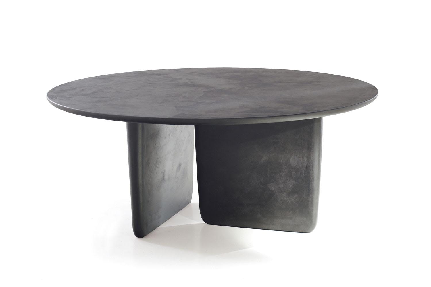 Tobi ishi table by edward barber jay osgerby for b b - Table ronde extensible 10 personnes ...