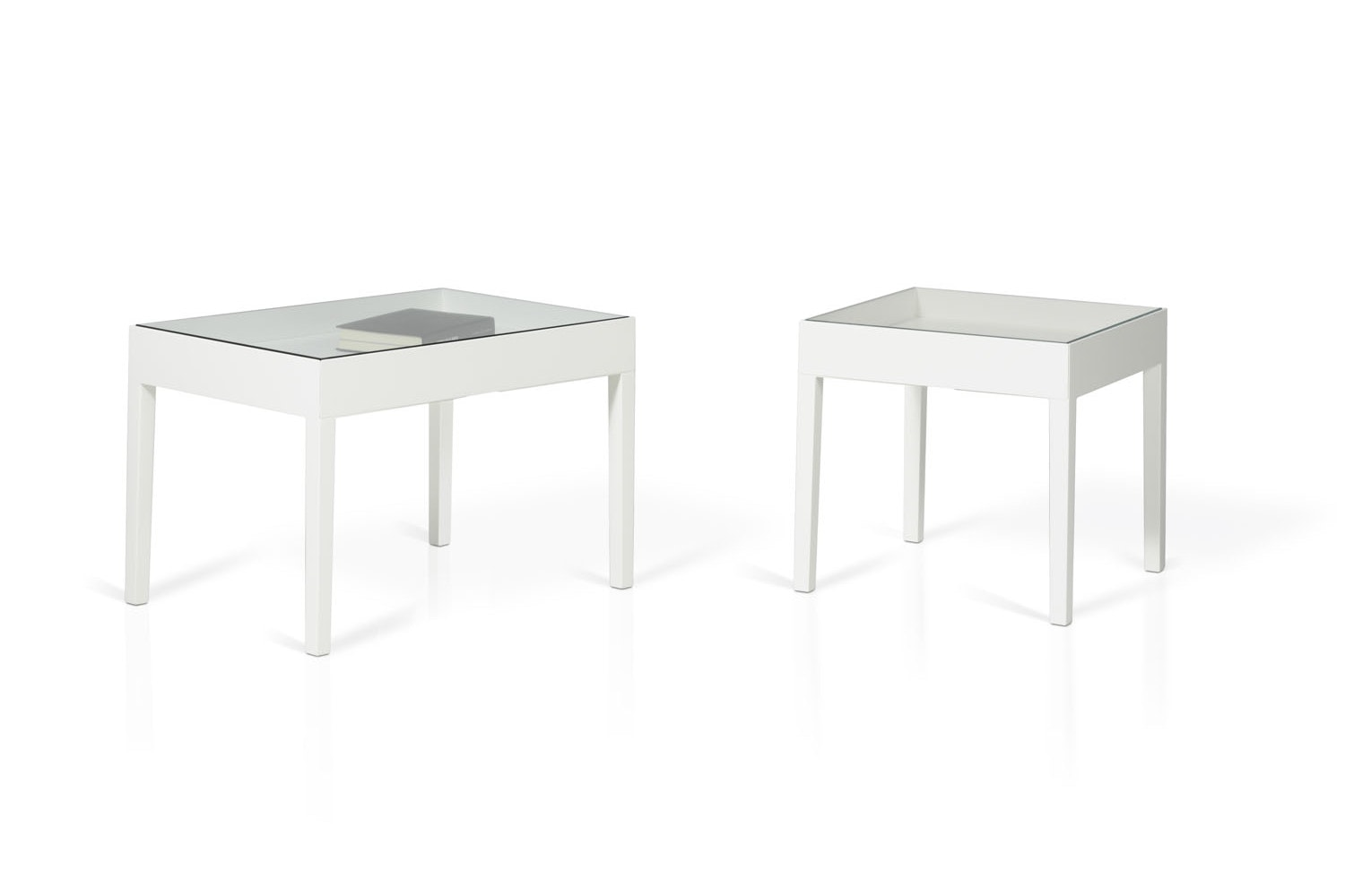 Showcase Table by Front for Porro
