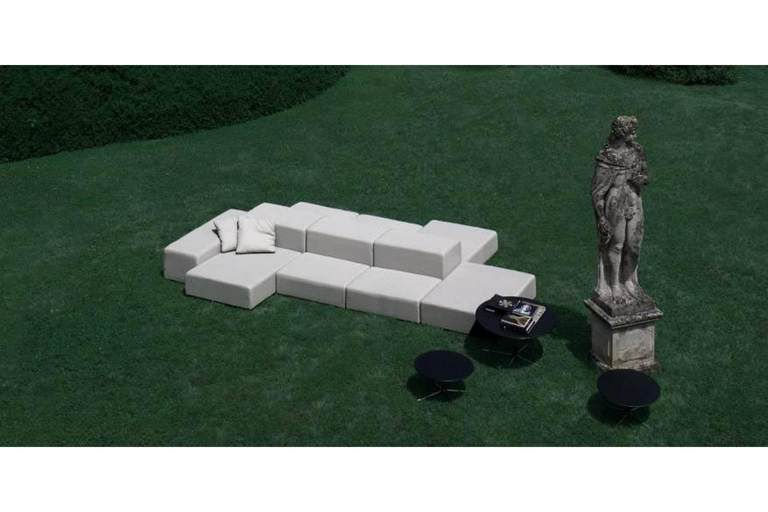 Extra Wall Outdoor Sofa by Piero Lissoni for Living Divani