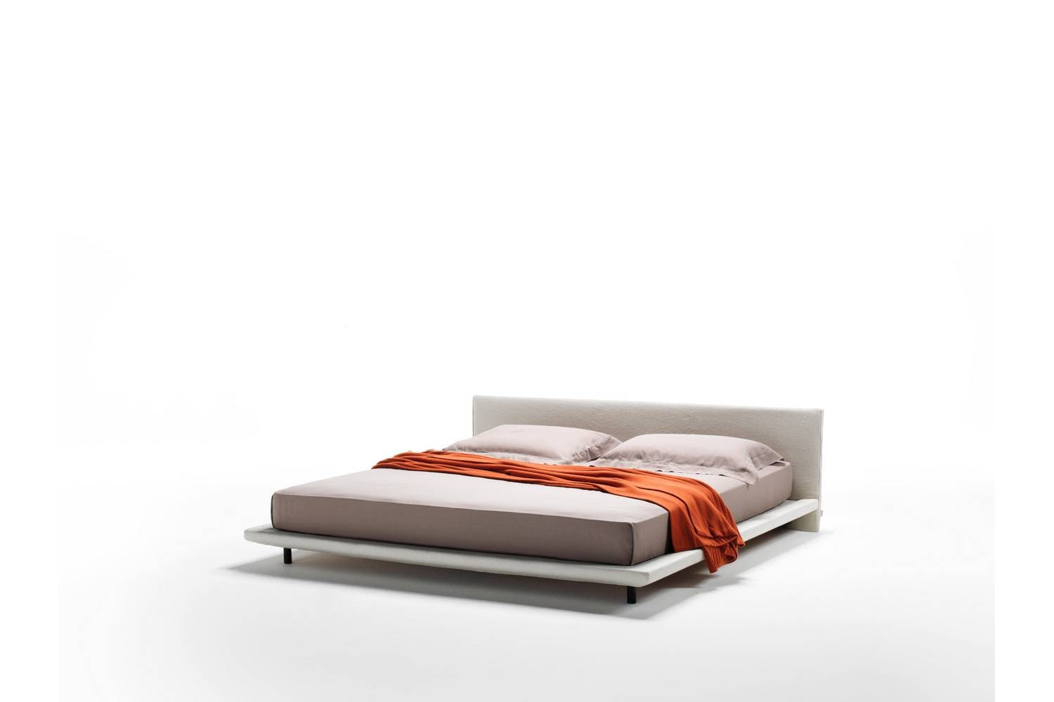 Chemise Bed by Piero Lissoni for Living Divani | Space Furniture