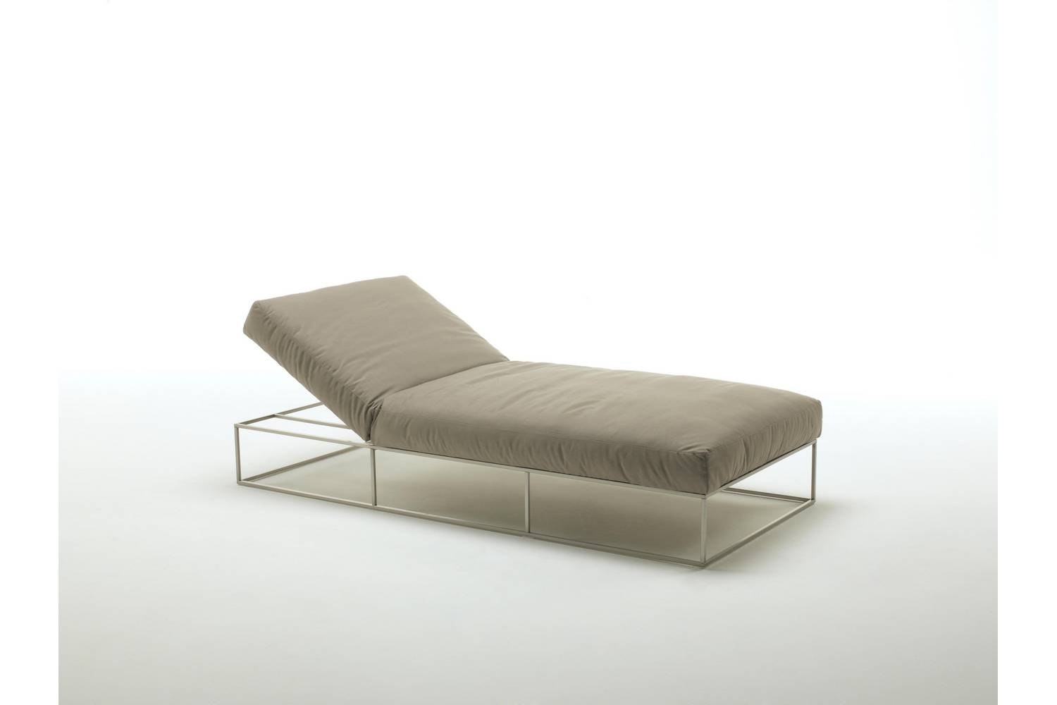 Ile Club Daybed by Piero Lissoni for Living Divani