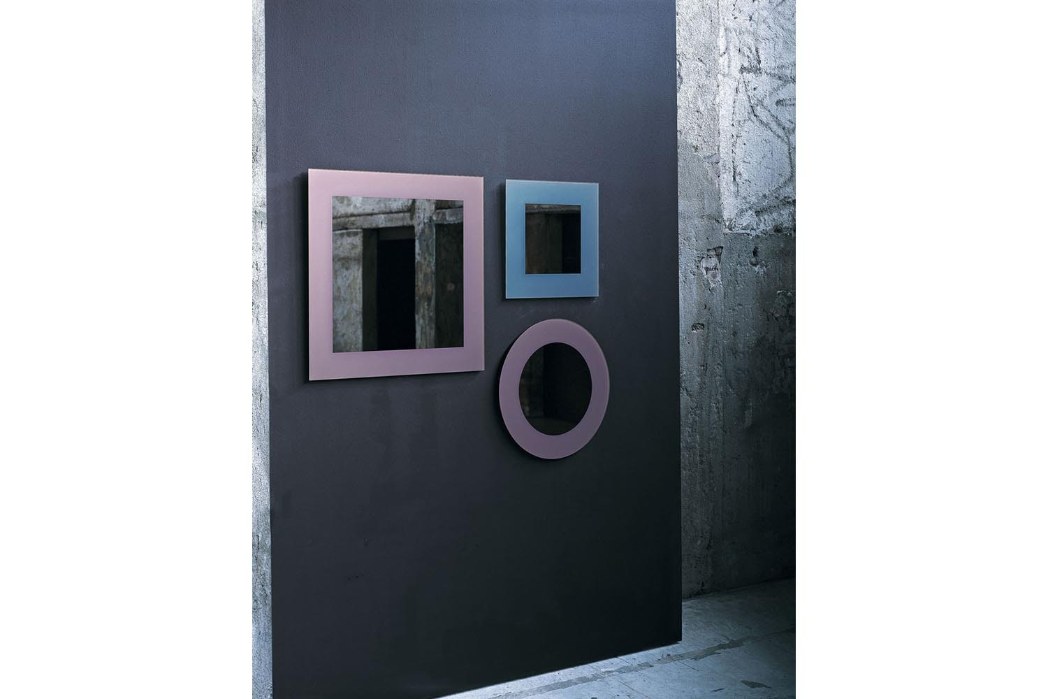 Colours Mirror by Nanda Vigo for Glas Italia