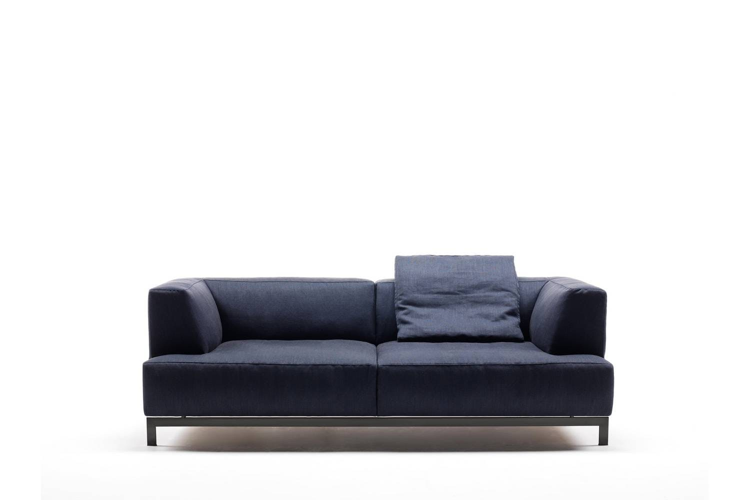 metrocubo sofa by piero lissoni for living divani space. Black Bedroom Furniture Sets. Home Design Ideas