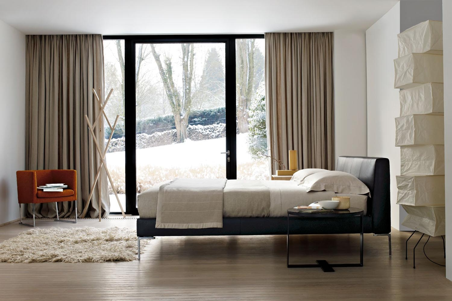 Charles Bed in Fabric by Antonio Citterio for B&B Italia