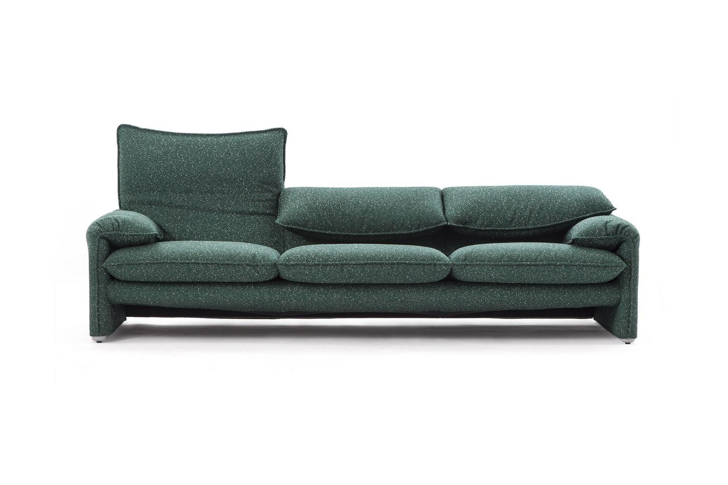 675 Maralunga 40S Sofa by Vico Magistretti for Cassina