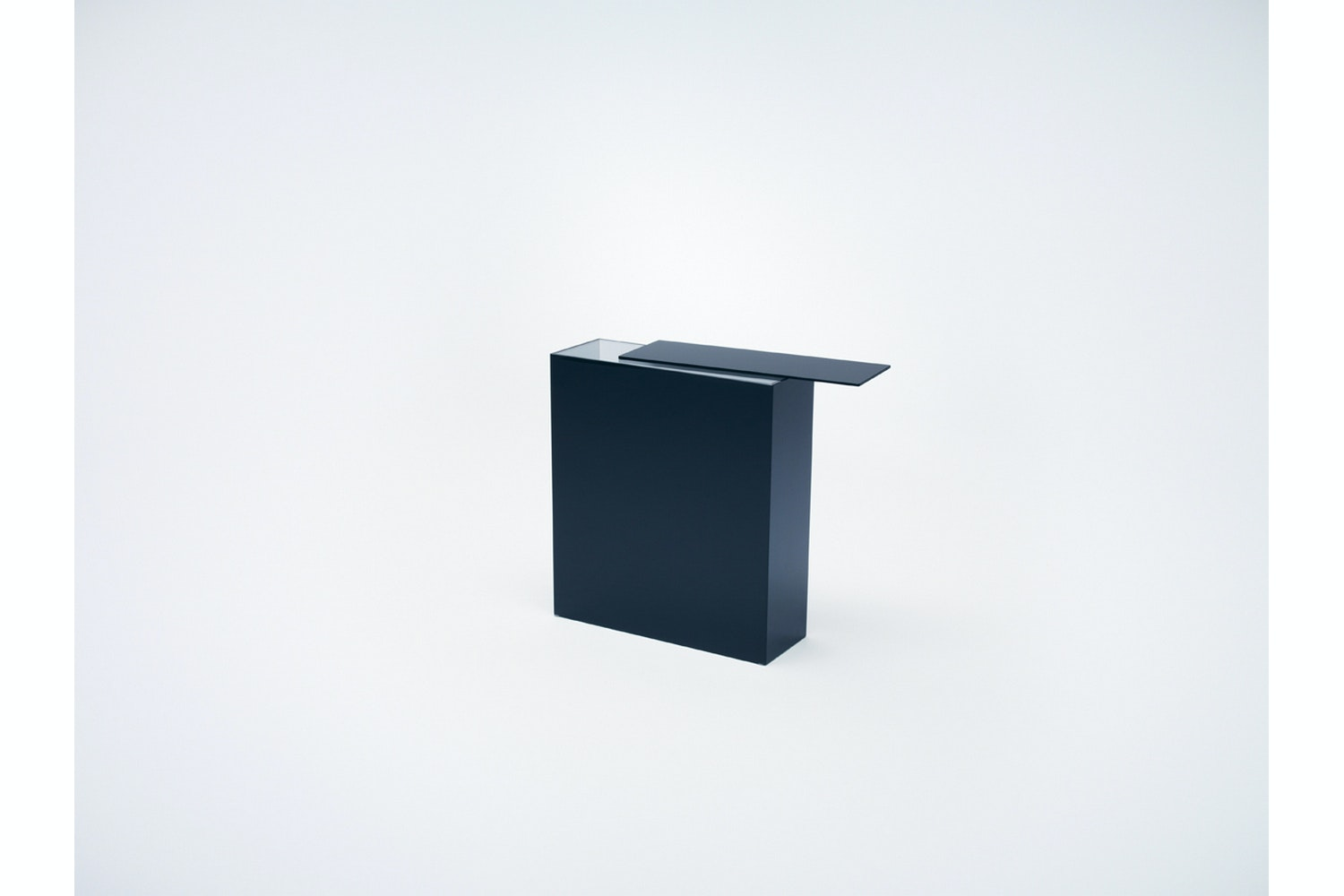 Slide Tavoli e Consolle by Nendo for Glas Italia