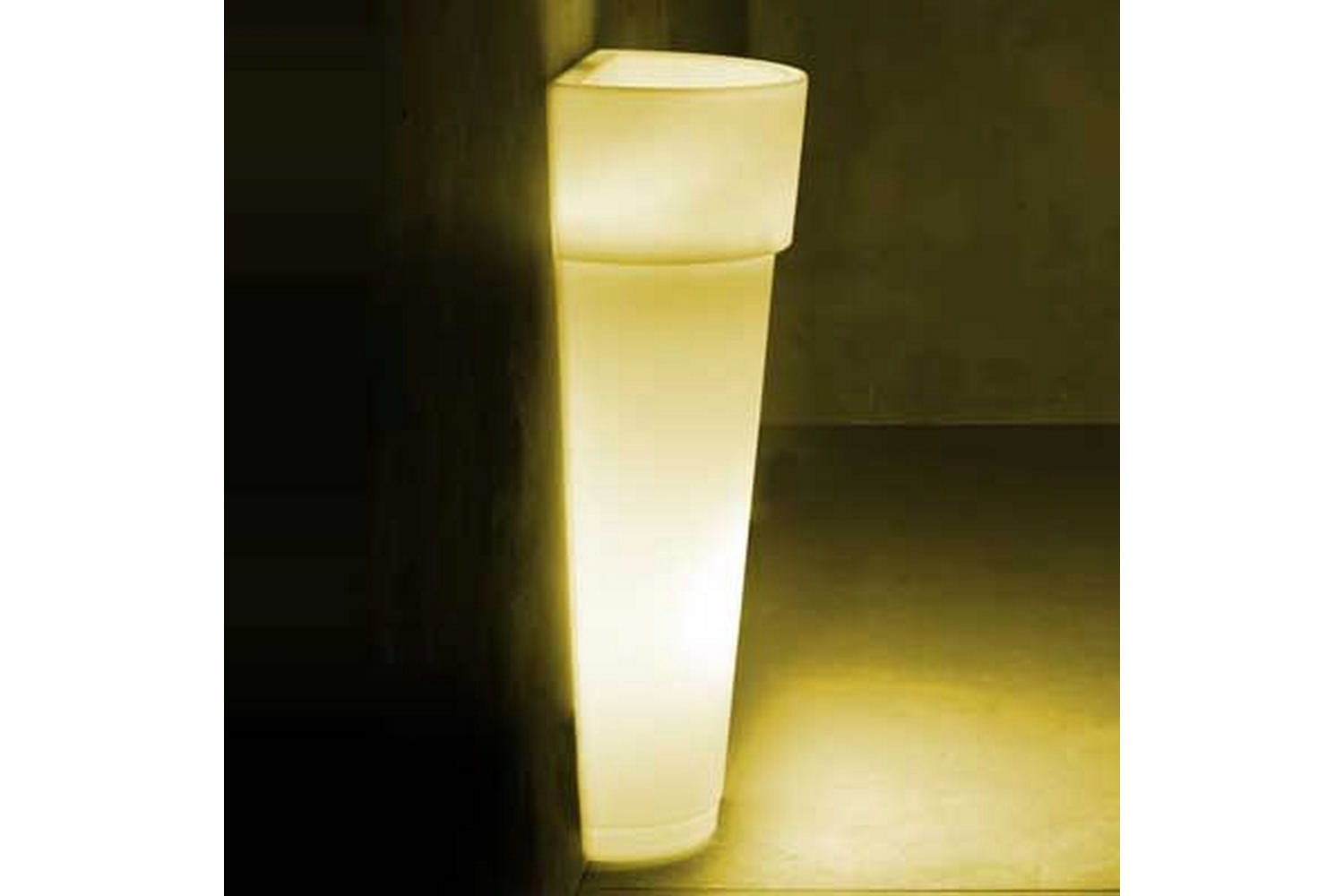 Marcantonio Au Mur Pot with Light by Nat Wave for Serralunga