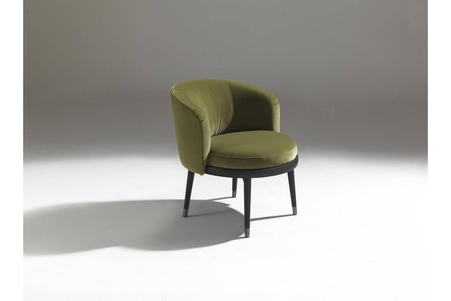 Daphne Armchair by E. Garbin - M. Dell'Orto for Porada