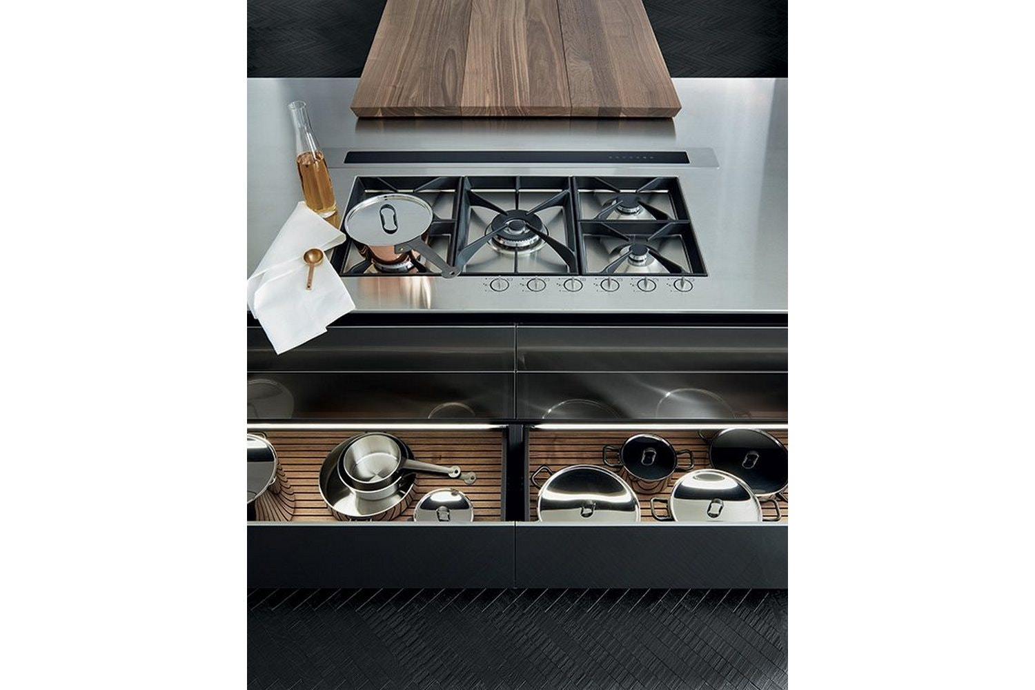 Twelve Kitchen by Carlo Colombo & R&D Varenna for Poliform