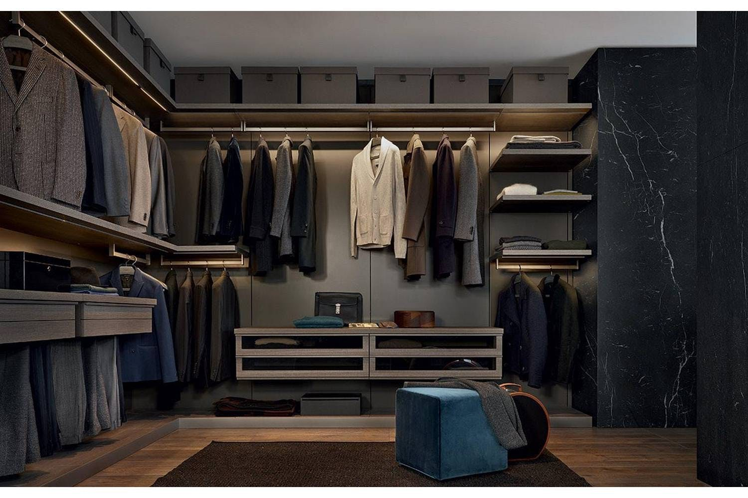 Ubik walk in closet by cr s poliform for poliform for Walk in wardrobe closet