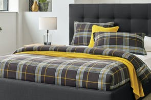 Nassau Check Duvet Cover Set by L'Avenue