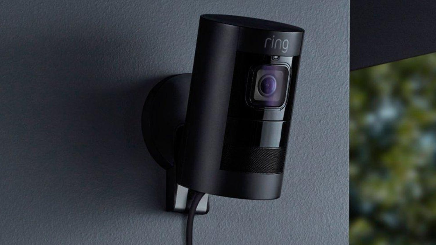 Ring Stick Up Camera Elite - Black