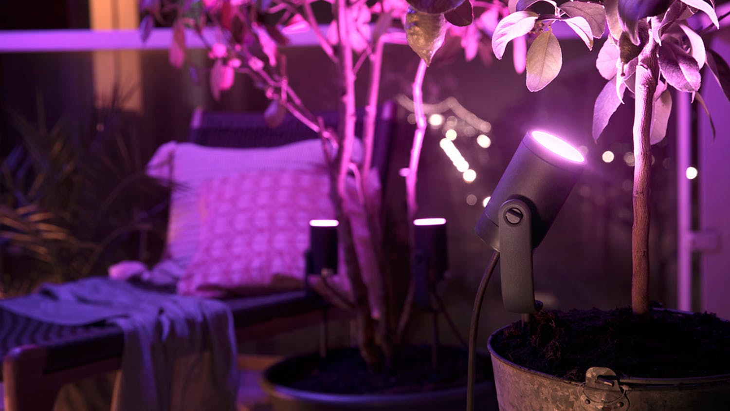 Philips Hue Outdoor Spotlight Kit - Black