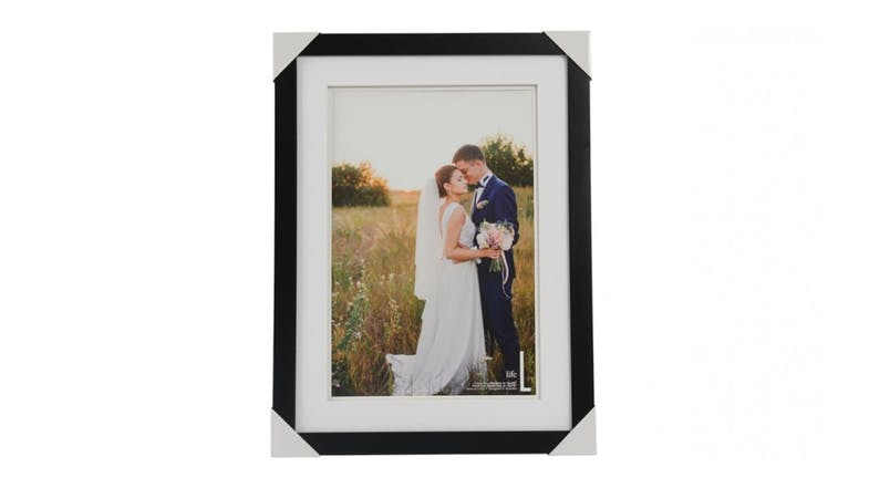 UR1 Life 16x22 Photo Frame with 12x18 Opening