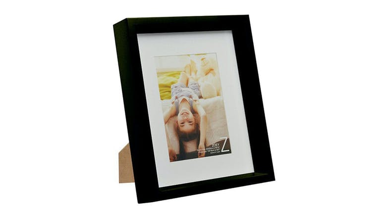 UR1 Zoey No Matt Chunky 8x10 Photo Frame with 5x7 Opening - Black