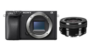Sony Alpha 6400 with 16-50mm Lens