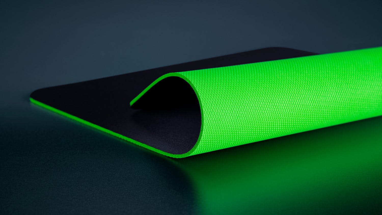 Razer Gigantus V2 Soft Gaming Mouse Mat - Large