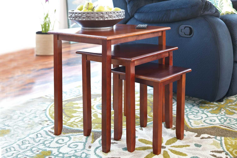 Oak Robins Nest of 3 Tables.