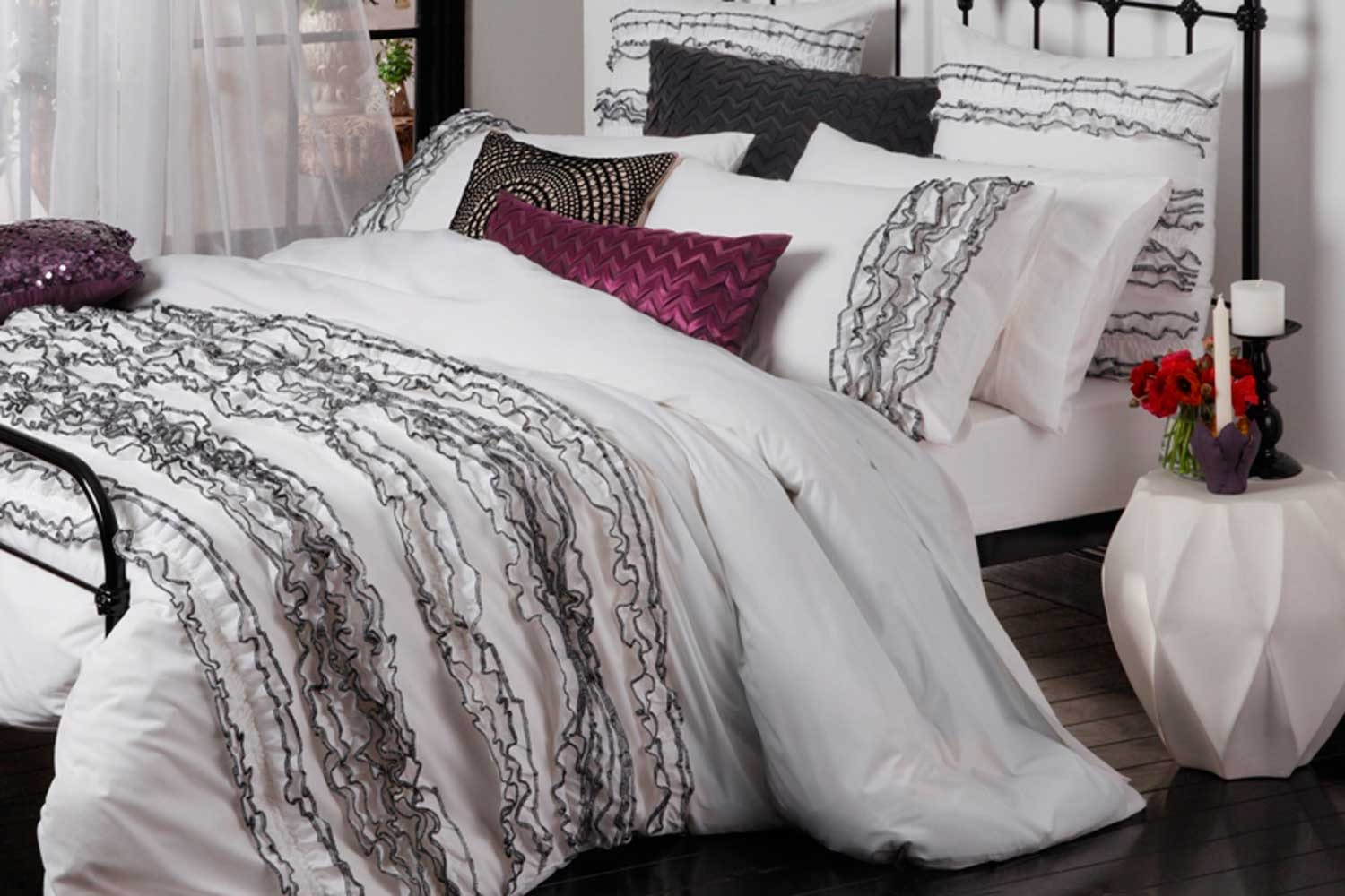 Lola White Bed Linen by Ultima