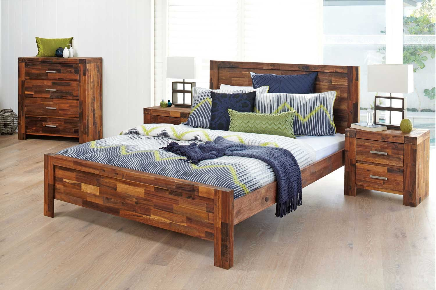 Solomon Queen Bedroom Suite by Nero Furniture