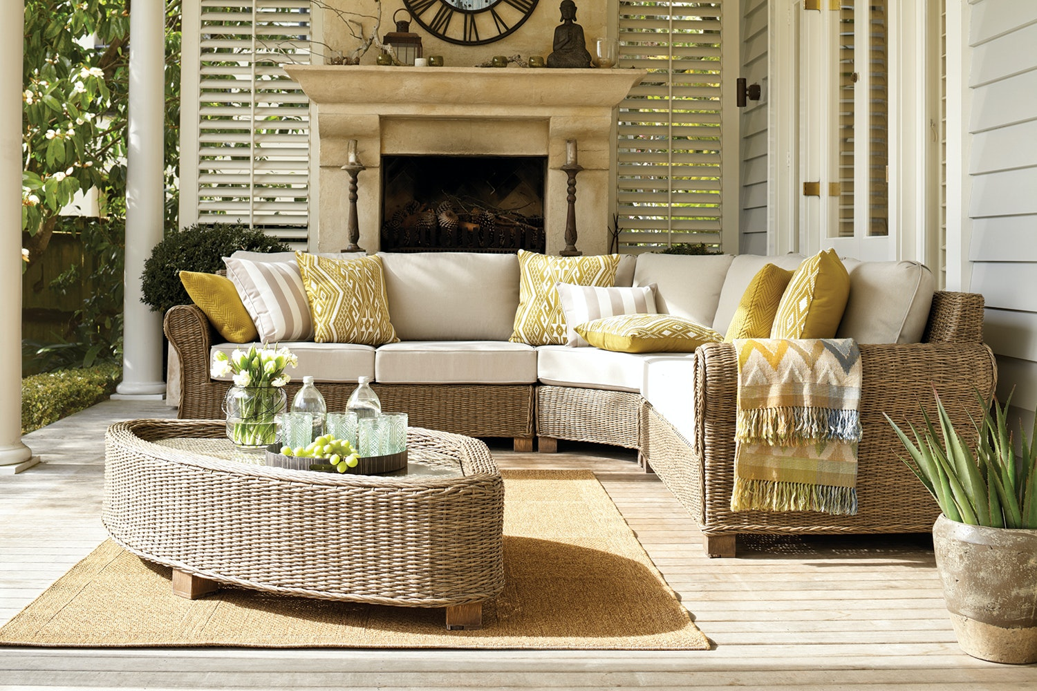 Ashley Corner Outdoor Lounge Suite