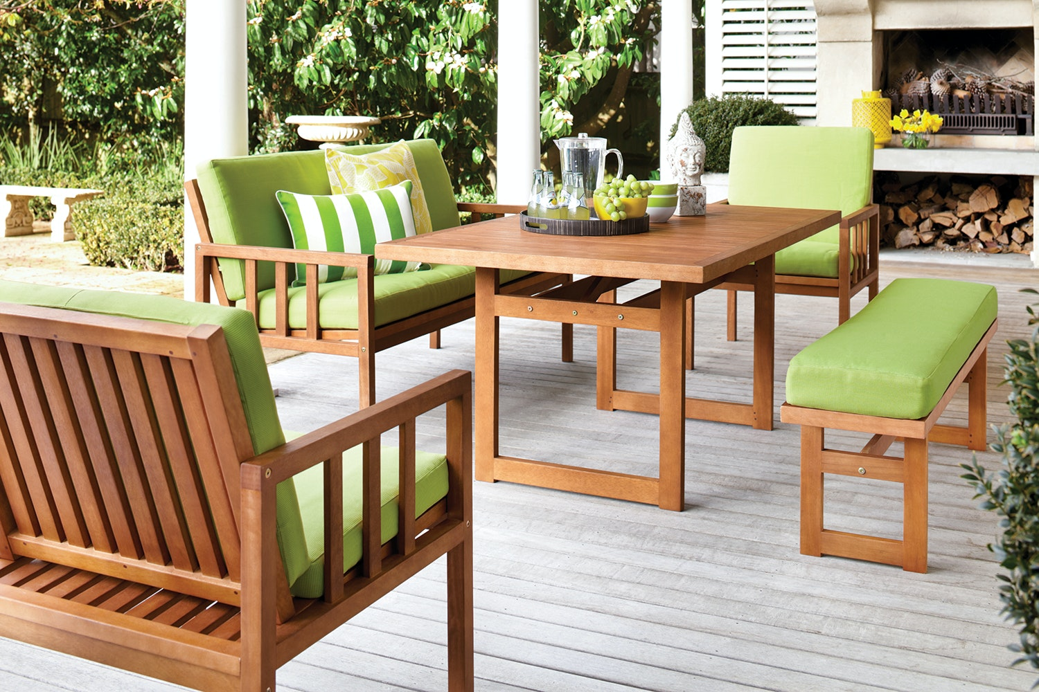 Chill Outdoor Dining Setting