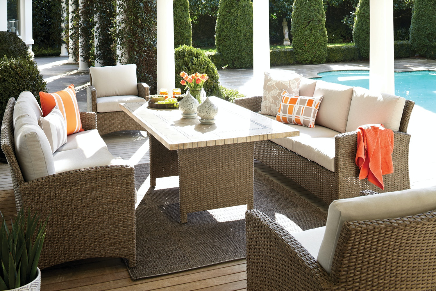 Cottage 5 Piece Outdoor Low Dining Setting