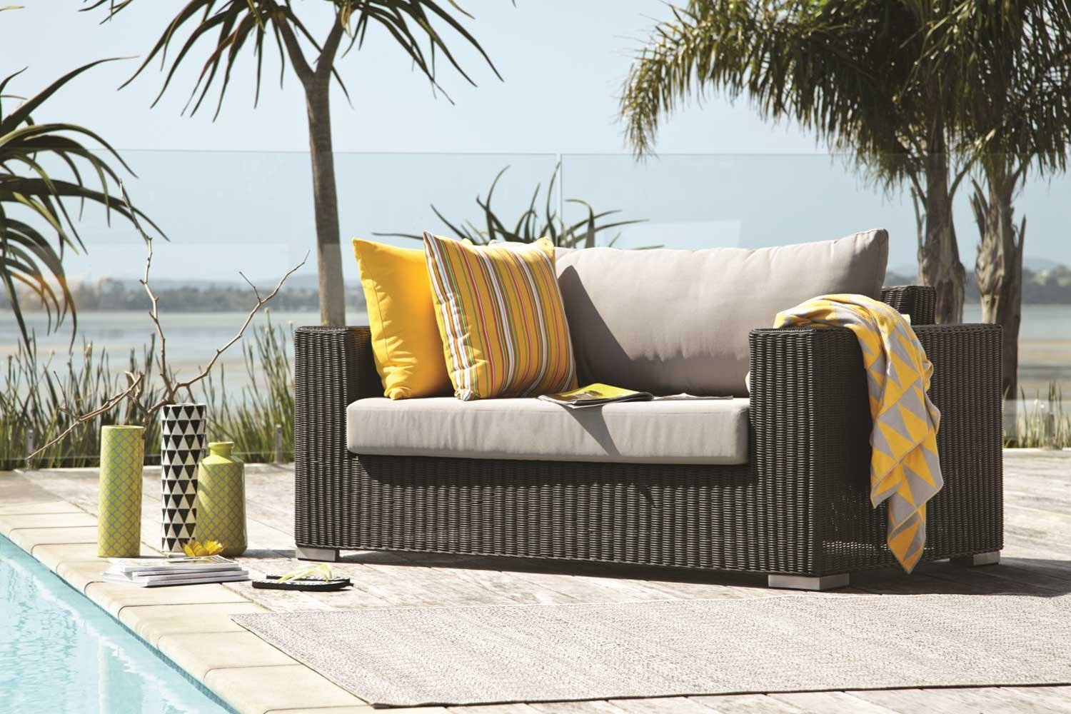 Magnetic Wicker Lounge Outdoor 3 Piece