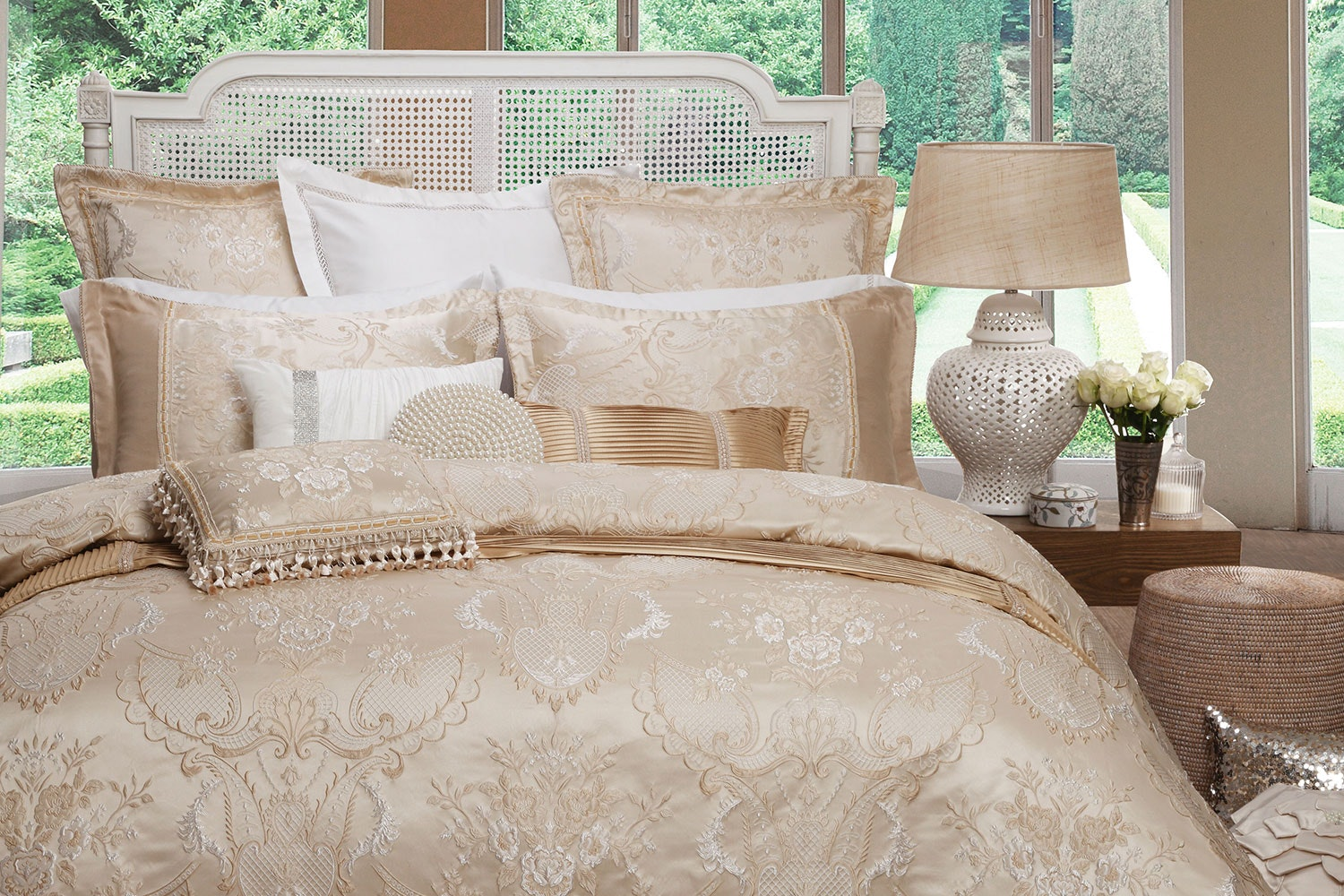 Antoinette Gold Bed Linen by Da Vinci