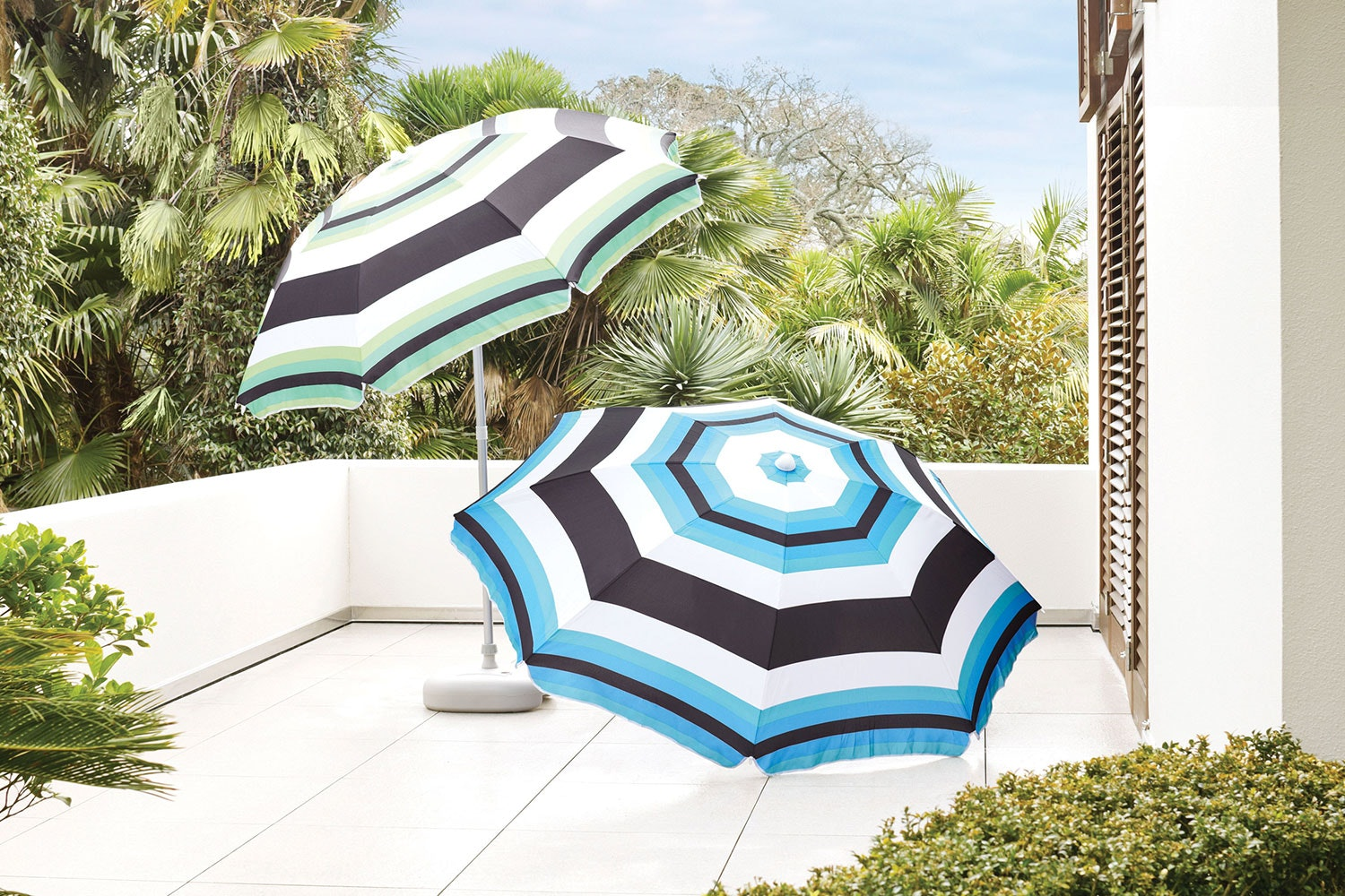 Piha Beach Umbrella Package by Peros