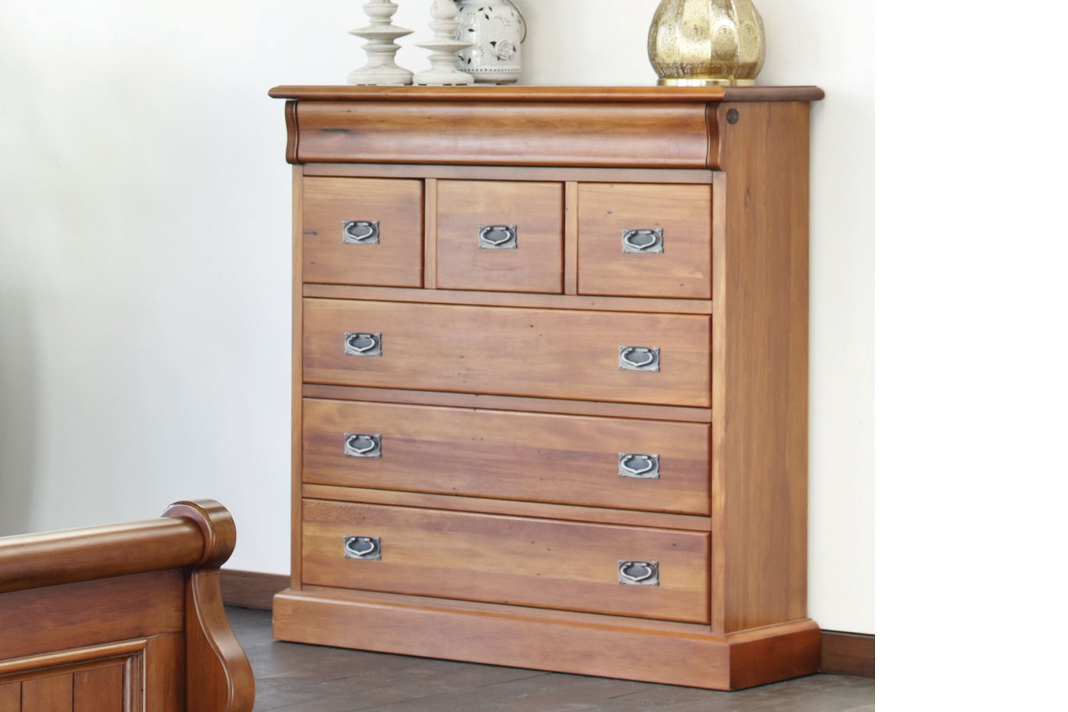 Clevedon 7 Drawer Scotch Chest by Woodpeckers
