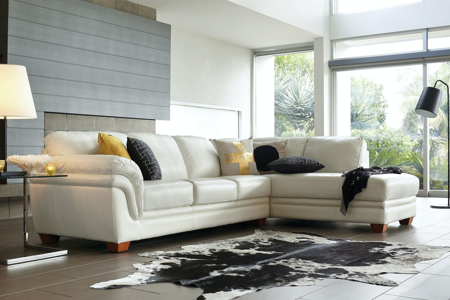 Terrific Demi 3 Seater Leather Lounge With Chaise By La Z Boy Bralicious Painted Fabric Chair Ideas Braliciousco