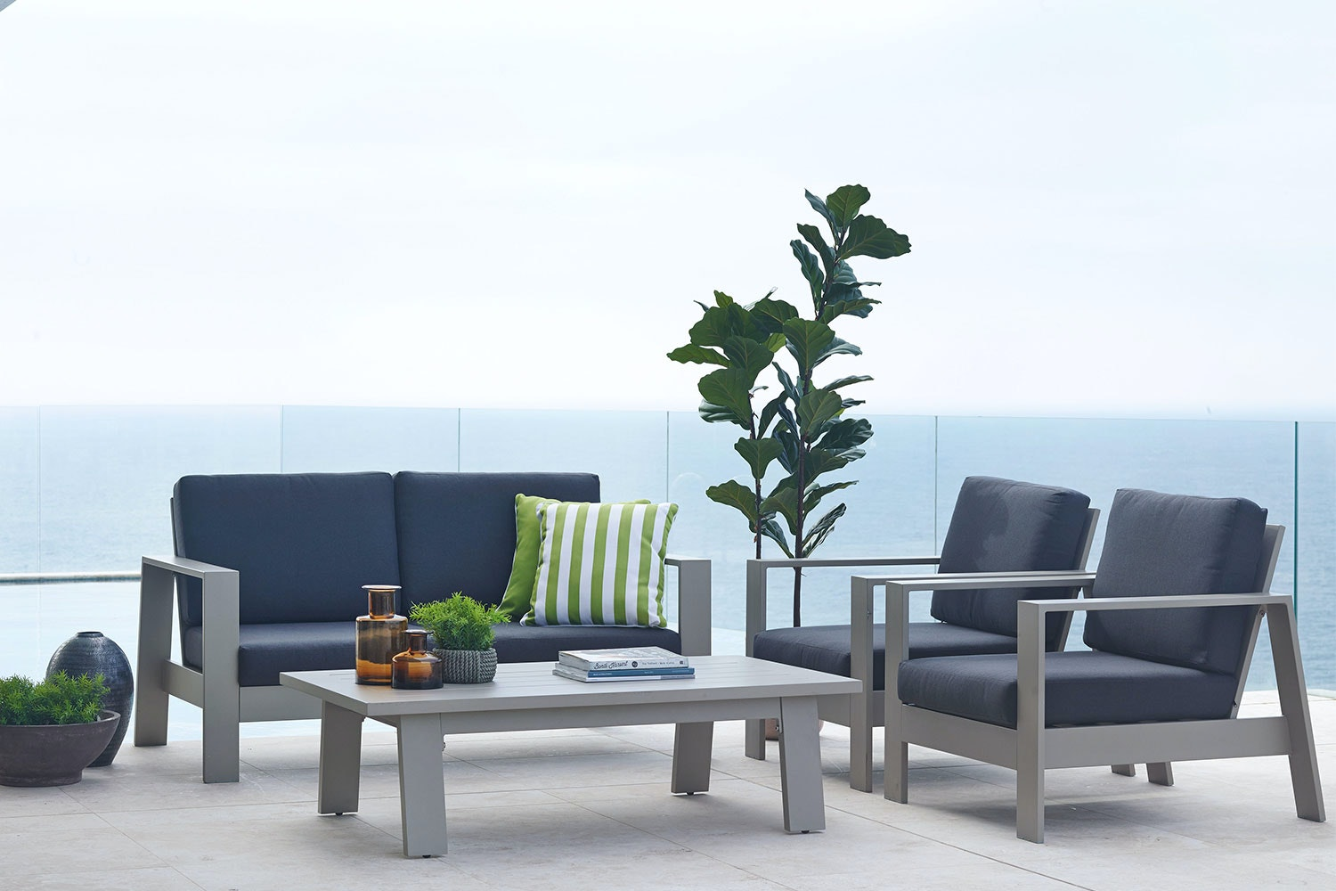 Macan 4 Piece Outdoor Lounge Setting