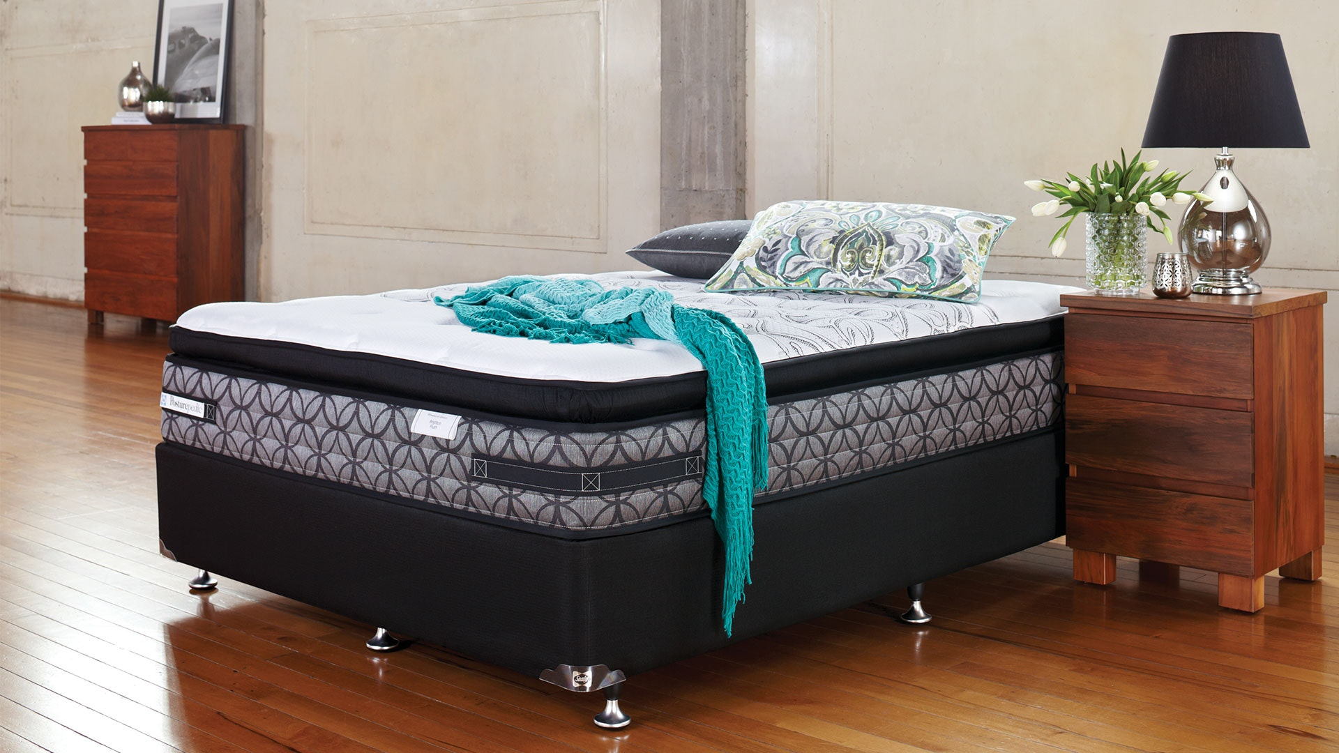 Brighton Plush Queen Bed by Sealy Posturepedic