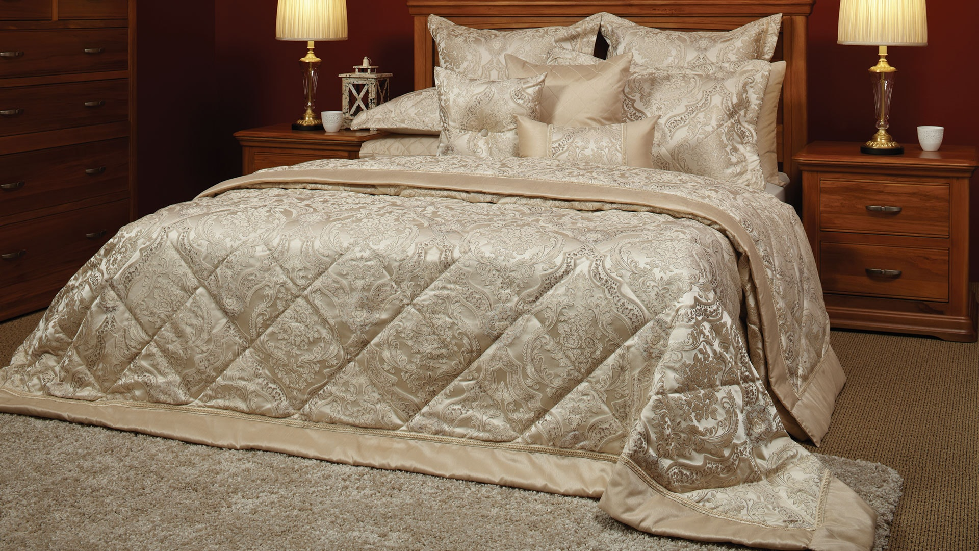 Allerton Bedspread by Central Thread Grandeur