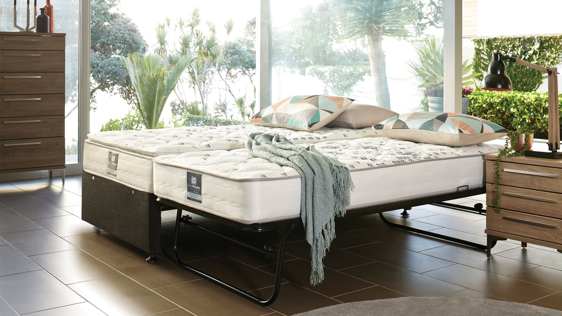 Spinecare Reflection Guest Trundle Bed by Sealy