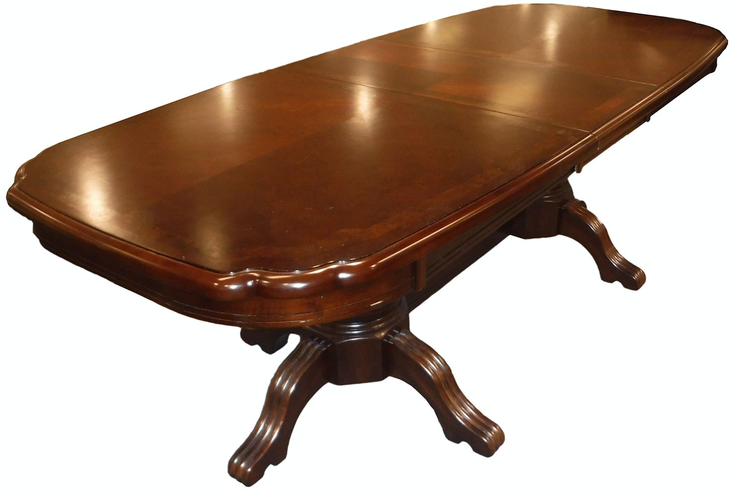 Uxbridge Dining Table