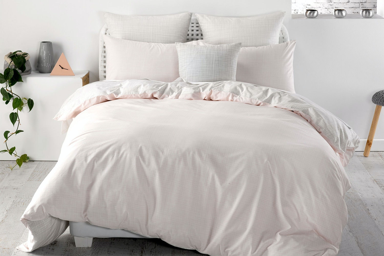 Meiko Pink Duvet Cover Set by Nu Edition
