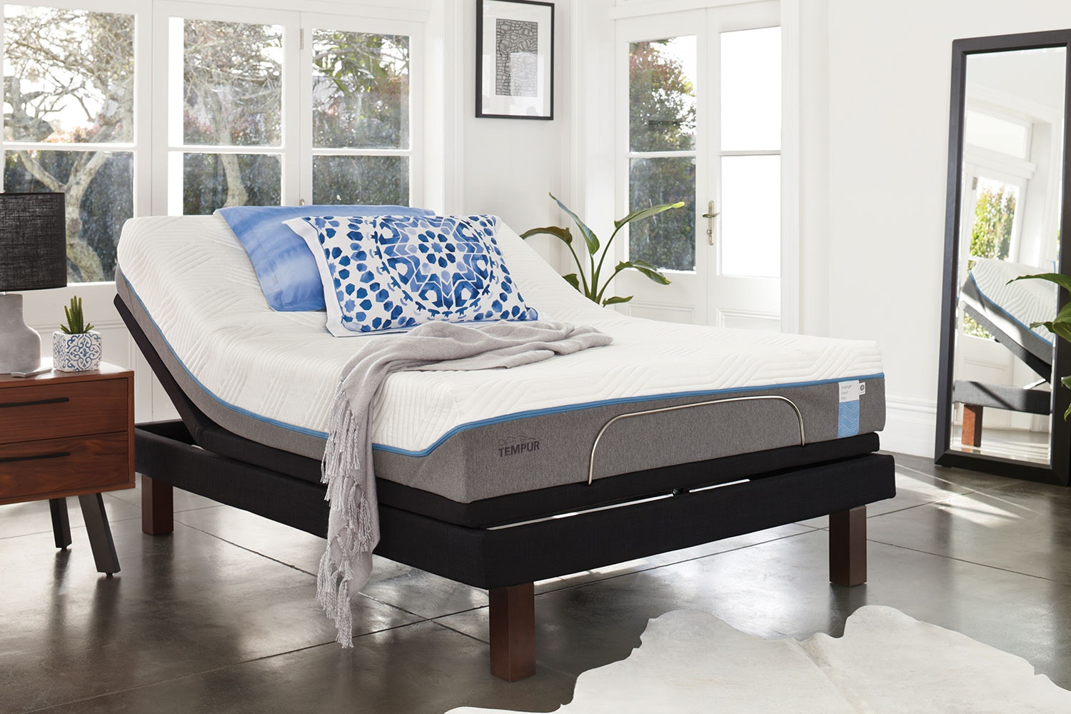 Nova Elite King Mattress with Platinum Adjustable Base by Tempur