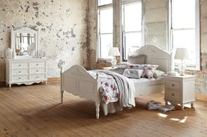 Chambre 4 Piece Queen Dresser and Mirror Bedroom Suite by Garry Masters