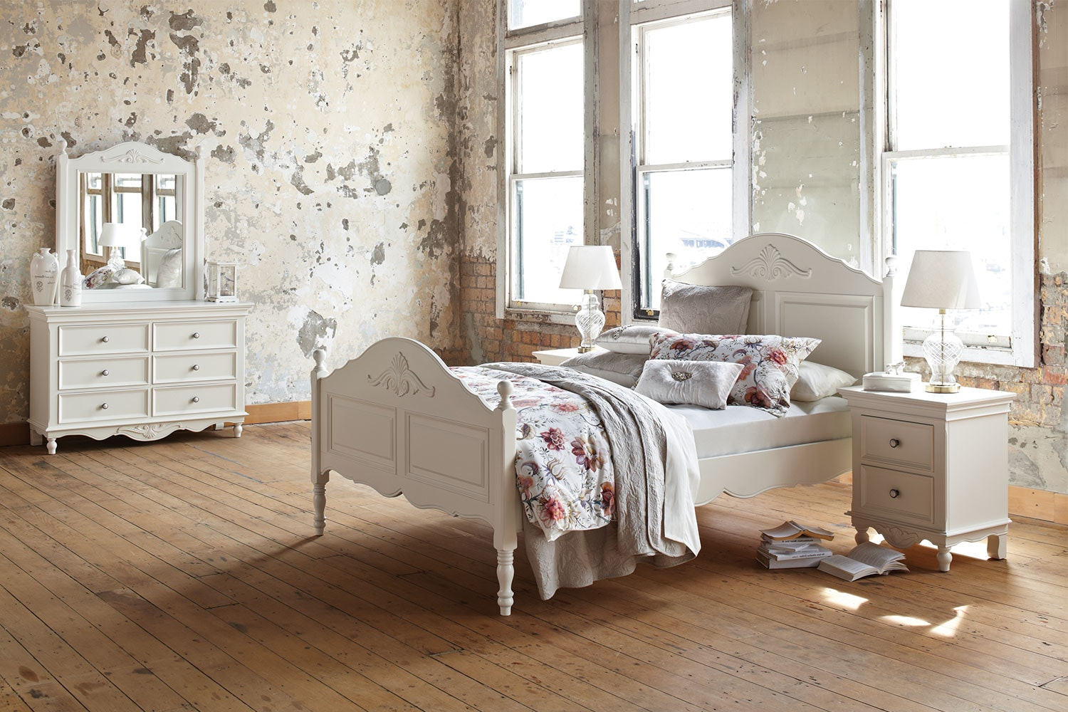 Chambre 4 Piece Queen Dresser And Mirror Bedroom Suite By Garry Masters ...
