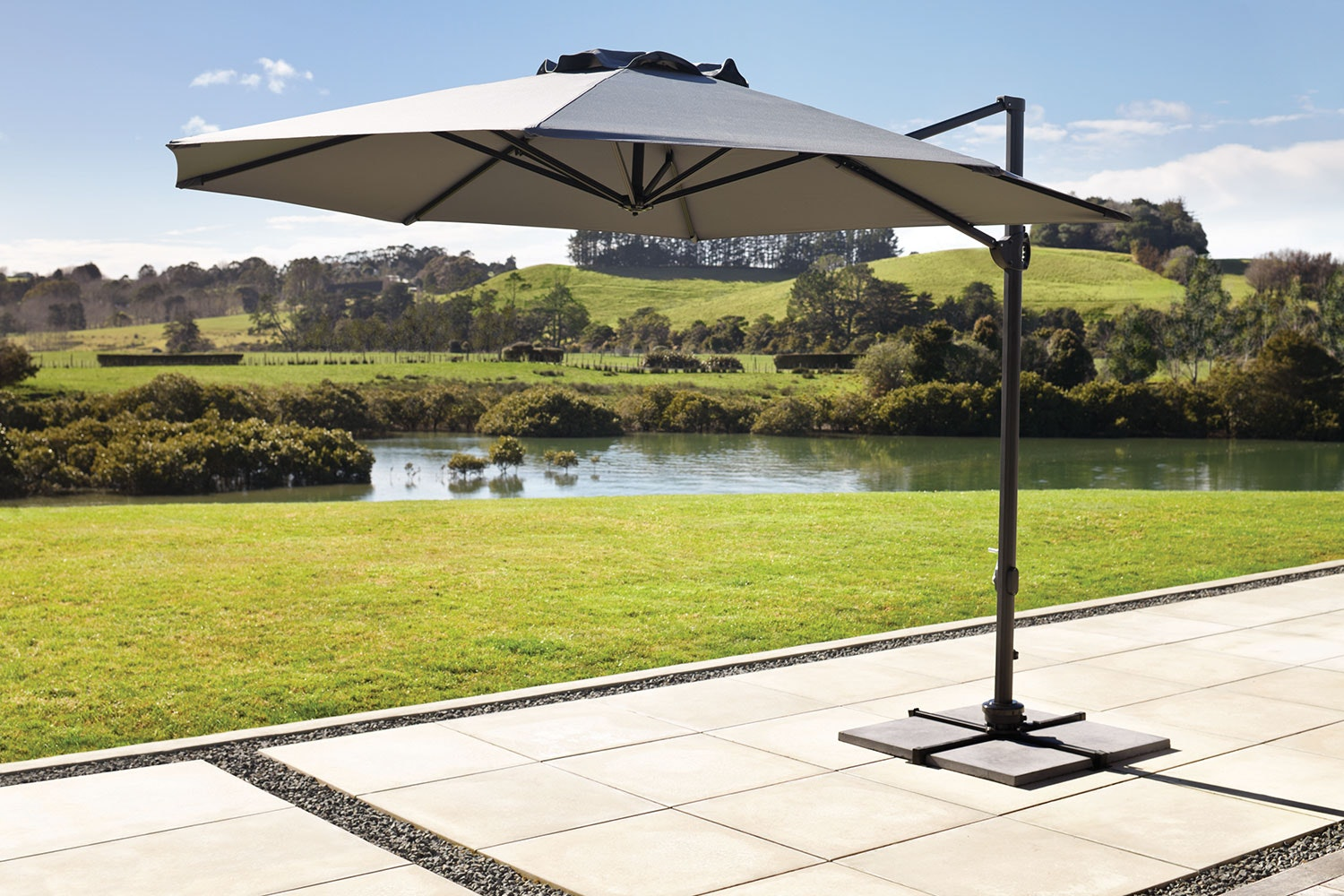 Jupiter Round 3.3m Cantilever Umbrella by Peros