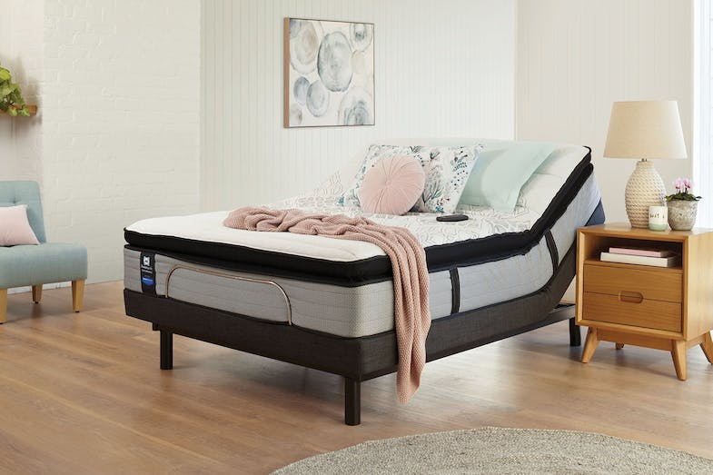 Sealy Posturepedic Mason Plush Queen Mattress with Lifestyle Adjustable Base by Tempur